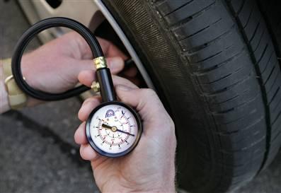 verifica presiune anvelope