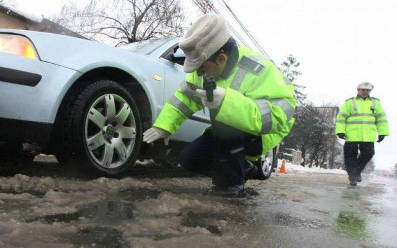 Control anvelope iarna, politie